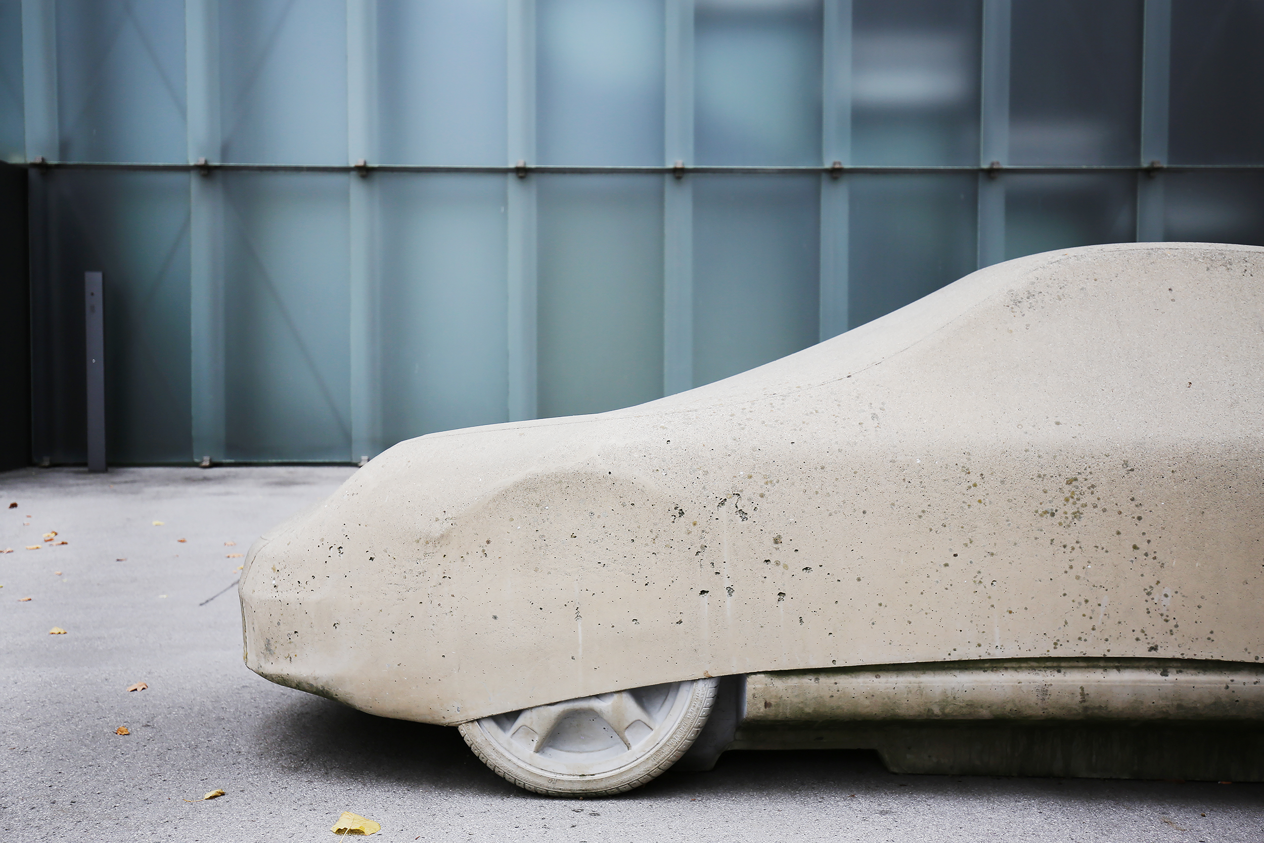 © Gottfried Bechtold, Betonporsche (Detail), Kunsthaus Bregenz, Foto: Alicia Olmos Ochoa