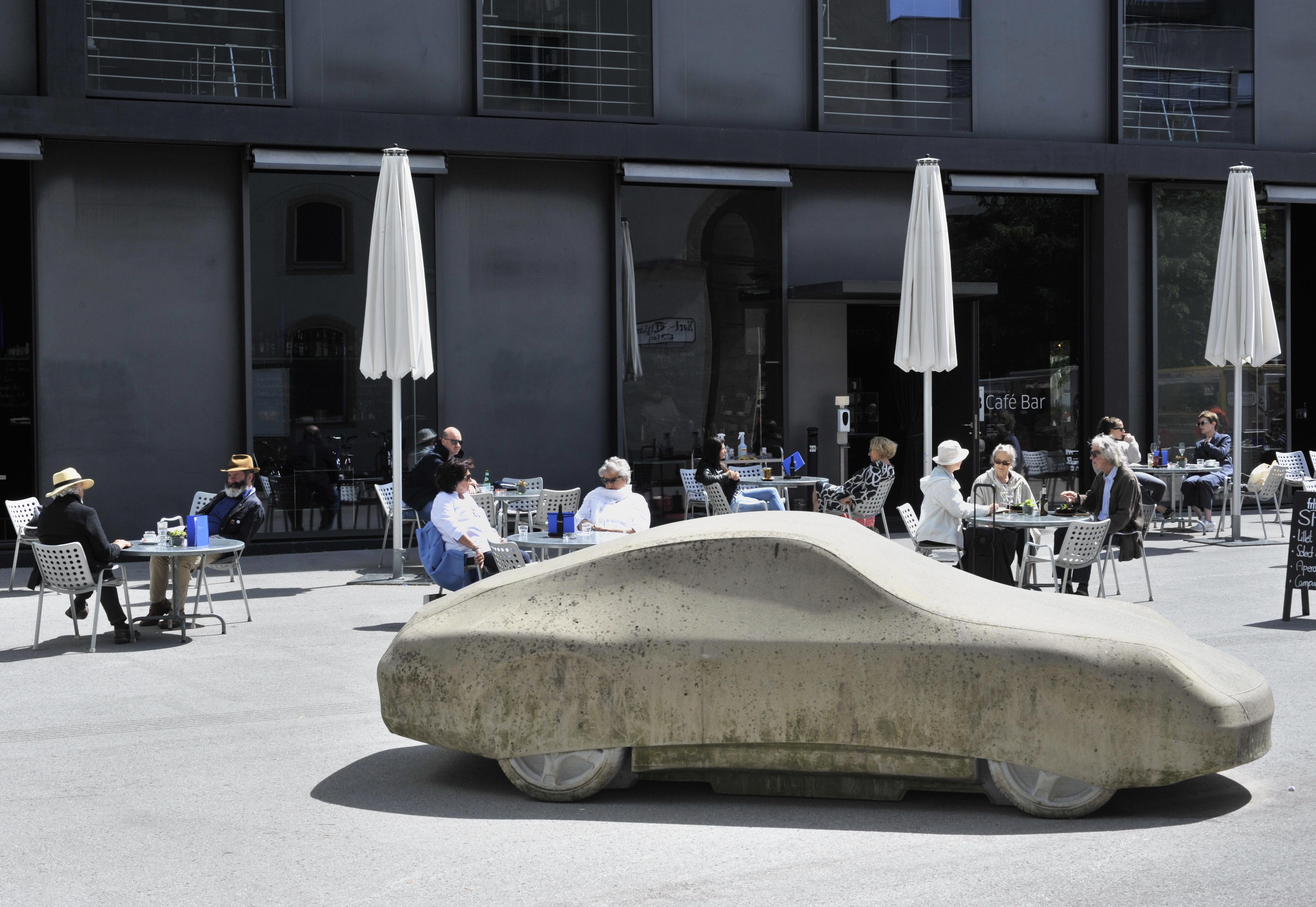© Gottfried Bechtold Betonporsche, Kunsthaus Bregenz, Foto: Rudolf Sagmeister